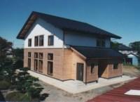 登米市南方町 梁をいかしたオール無垢材、床暖房の新築住宅